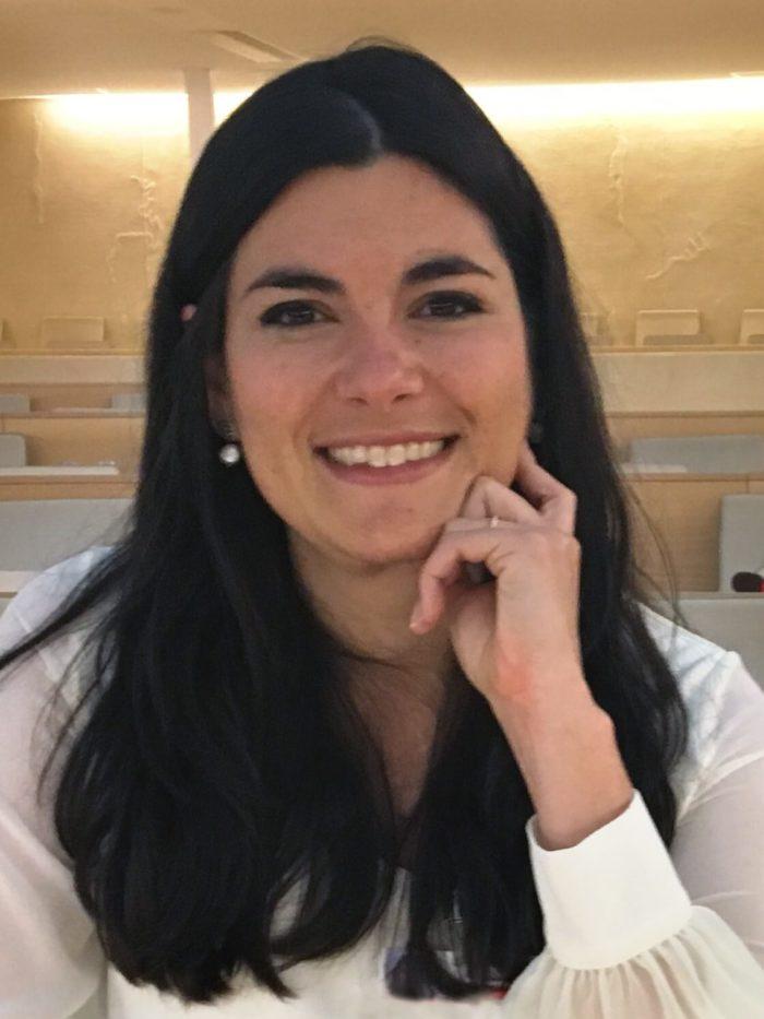 Ana Salac Guimarães | Graphic designer